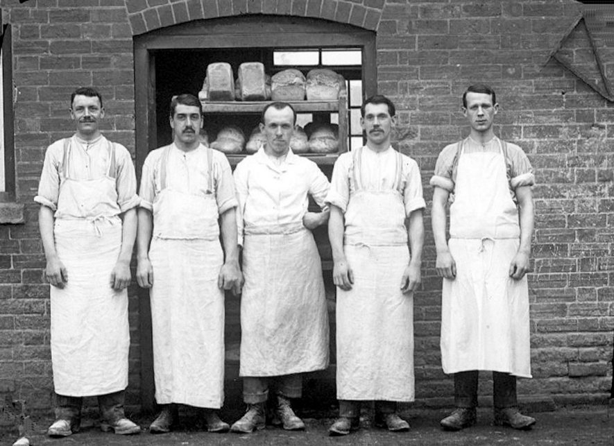 Staff of five bakers outside their shop, Alcester.  1930s |  IMAGE LOCATION: (Warwickshire County Record Office)