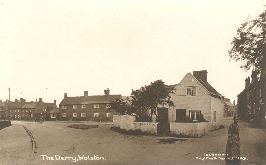 The Derry (now Derry Close), Wolston.  1910s |  IMAGE LOCATION: (Warwickshire County Record Office)