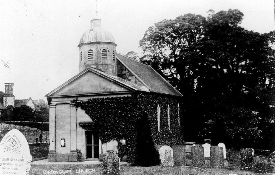 St Leonard's church and churchyard, Birdingbury.  1900s |  IMAGE LOCATION: (Warwickshire County Record Office)