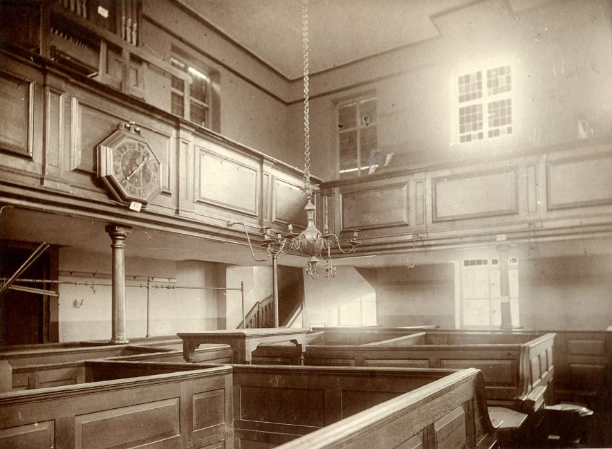 Alcester Presbyterian chapel interior.  1900s |  IMAGE LOCATION: (Warwickshire County Record Office)