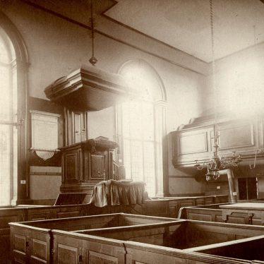 Alcester.  Presbyterian chapel interior