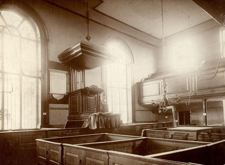 Alcester Presbyterian chapel interior.  1900s |  IMAGE LOCATION: (Warwickshire County Record Office)