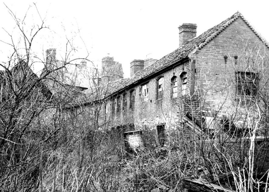 Exterior of derelict bodkin factory in Malt Mill Lane, Alcester.  1967 |  IMAGE LOCATION: (Warwickshire County Record Office)