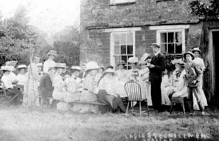 Tea party after Ladies v Gentlemen cricket match, Lower Brailes.  1908 |  IMAGE LOCATION: (Warwickshire County Record Office)