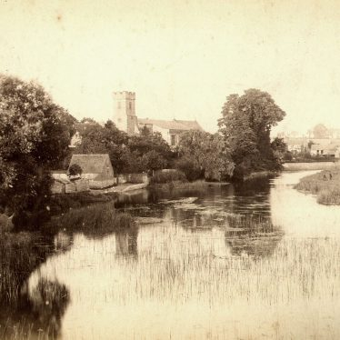 Bidford on Avon.  St Lawrence's Church and River Avon