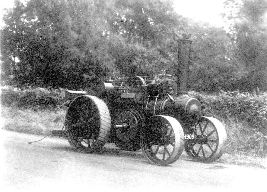 A ploughing engine as used by Messrs Bomford and Evershed of Salford Priors.  1900s |  IMAGE LOCATION: (Warwickshire County Record Office)
