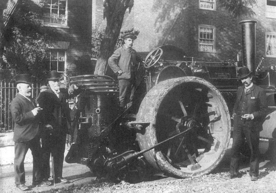 A steam driven engine as used by Messrs Bomford and Evershed of Salford Priors.  1900s |  IMAGE LOCATION: (Warwickshire County Record Office)