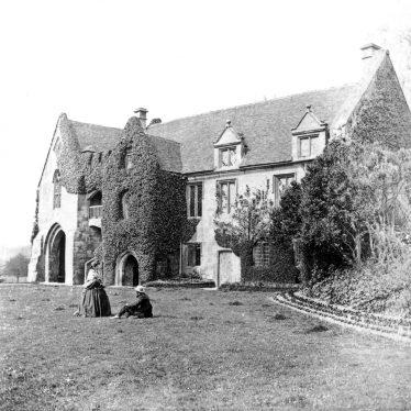 Stoneleigh.  Stoneleigh Abbey, gatehouse