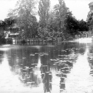 Guy's Cliffe water mill and mill pond, Warwick.  1900s |  IMAGE LOCATION: (Warwickshire County Record Office)