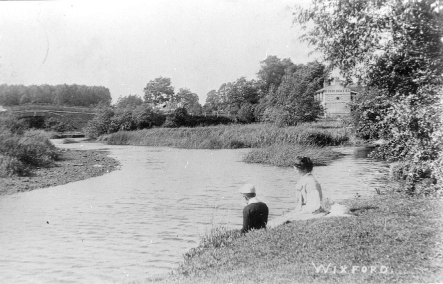 River Arrow at Wixford.  1900s |  IMAGE LOCATION: (Warwickshire County Record Office)