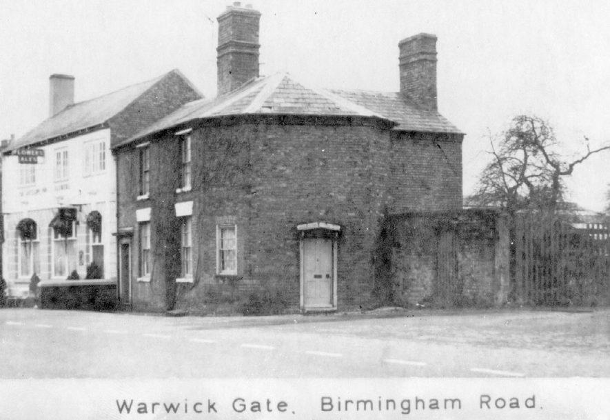 Warwick Gate tollhouse on the Birmingham Road, Warwick.  1900s |  IMAGE LOCATION: (Warwickshire County Record Office)