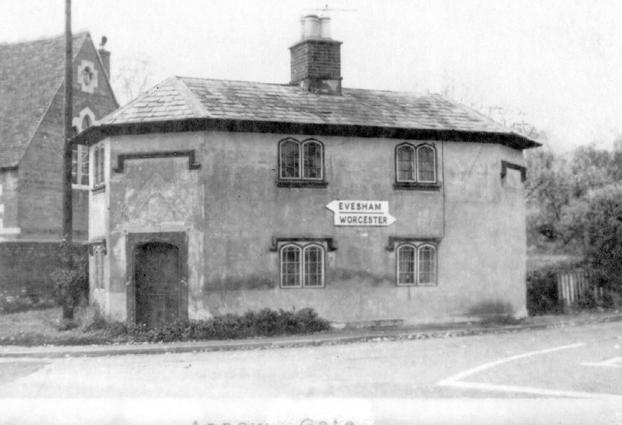 Arrowgate tollhouse at junction of A442 & B4085, Arrow.  1900s |  IMAGE LOCATION: (Warwickshire County Record Office)