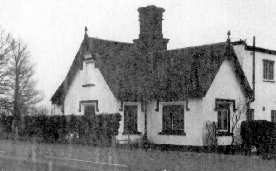 Millway Gate Turnpike, one and a half miles north of Stratford upon Avon.  1900s |  IMAGE LOCATION: (Warwickshire County Record Office)