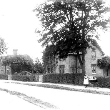 Alderminster.  Village scene