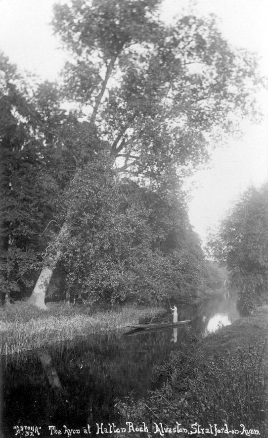 Hatton Rock by the River Avon at Alveston.  1910s |  IMAGE LOCATION: (Warwickshire County Record Office)