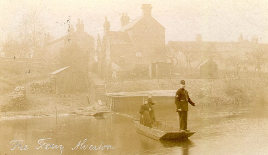 The Ferry at Alveston.  1900s |  IMAGE LOCATION: (Warwickshire County Record Office)