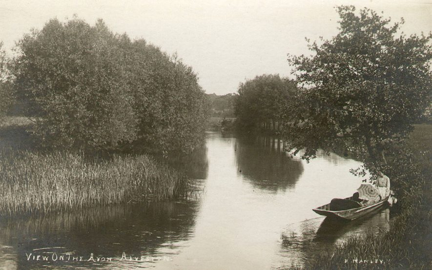 The River Avon at Alveston.  1900s |  IMAGE LOCATION: (Warwickshire County Record Office)