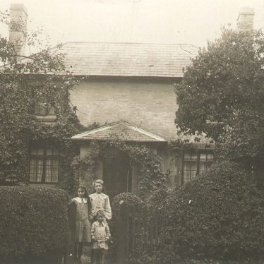 Alveston.  Avon Cottage
