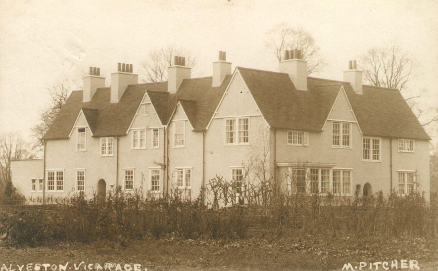 The Vicarage, Alveston.  1900s |  IMAGE LOCATION: (Warwickshire County Record Office)