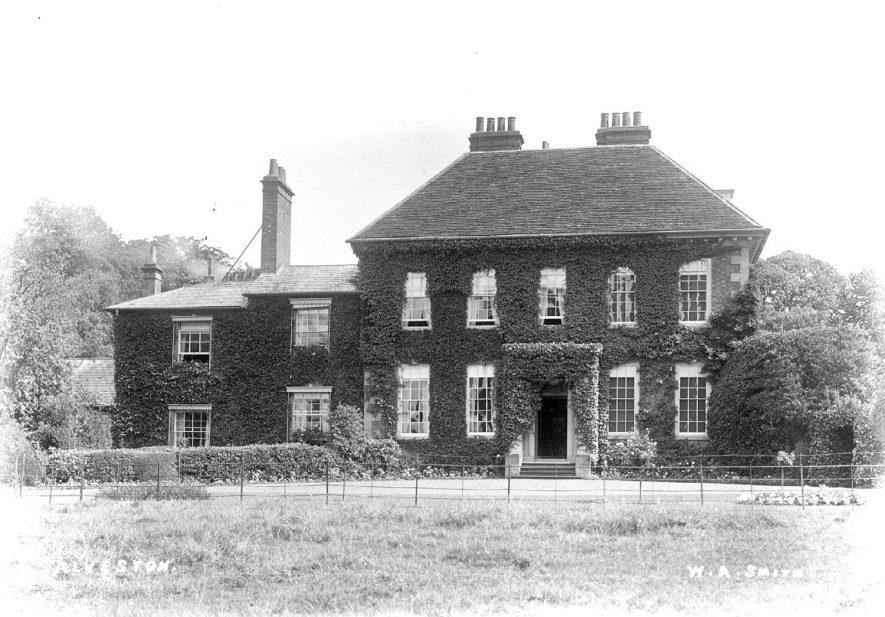 Alveston House.  1910s    IMAGE LOCATION: (Warwickshire County Record Office)