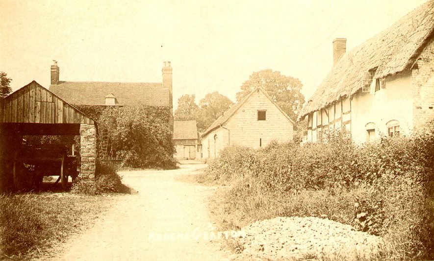 Ardens Grafton village.  1900s |  IMAGE LOCATION: (Warwickshire County Record Office)
