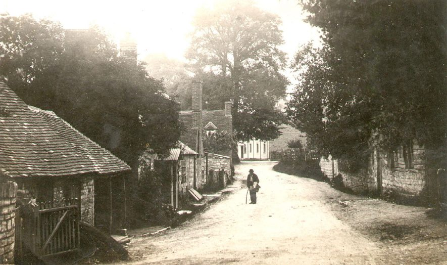 A view of Ardens Grafton.  1900s    IMAGE LOCATION: (Warwickshire County Record Office)
