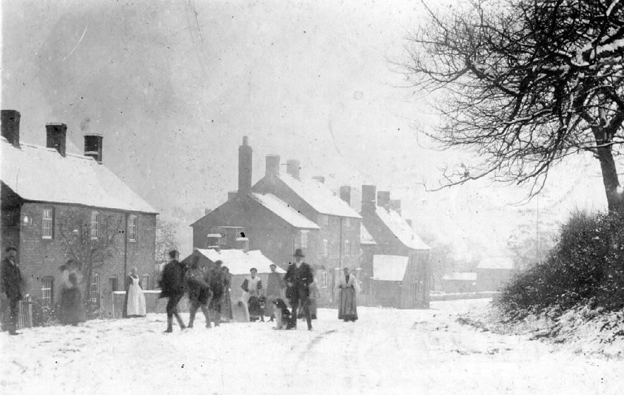 Street with cottages in snow, Upper Brailes.  1900s |  IMAGE LOCATION: (Warwickshire County Record Office)