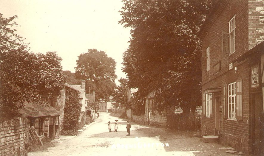 Ardens Grafton village scene.  1910s |  IMAGE LOCATION: (Warwickshire County Record Office)