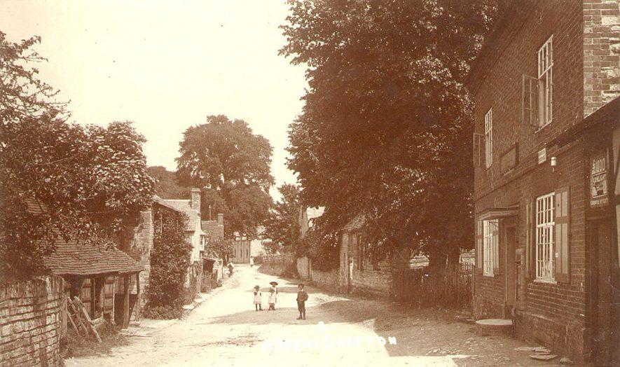 Ardens Grafton village scene.  1910s |  IMAGE LOCATION: (Warwickshire County Record Office)