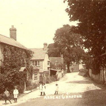 Ardens Grafton.  Street scene