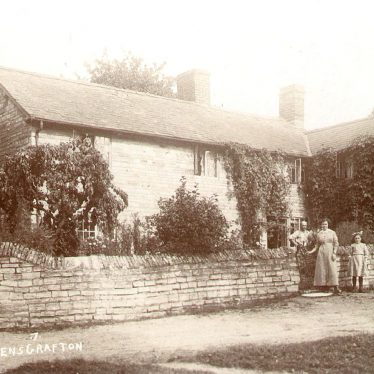 Ardens Grafton.  Cottages