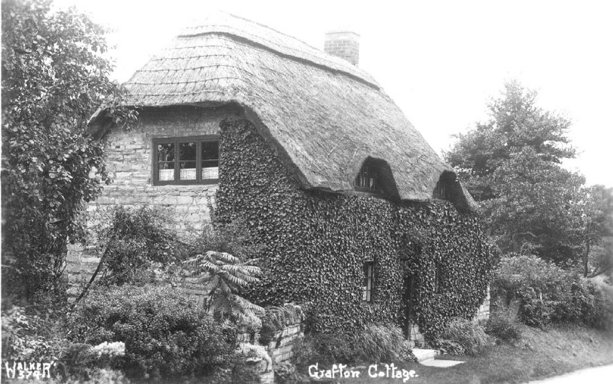 Grafton Cottage, Ardens Grafton.  1950s |  IMAGE LOCATION: (Warwickshire County Record Office)