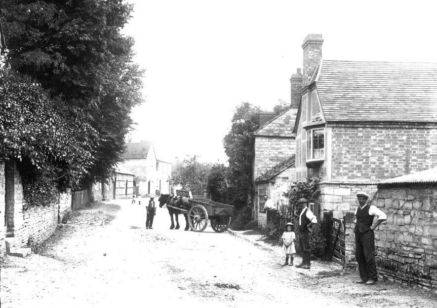 Ardens Grafton a street scene.  1920s |  IMAGE LOCATION: (Warwickshire County Record Office)