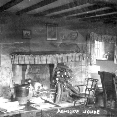 Armscote.  House interior