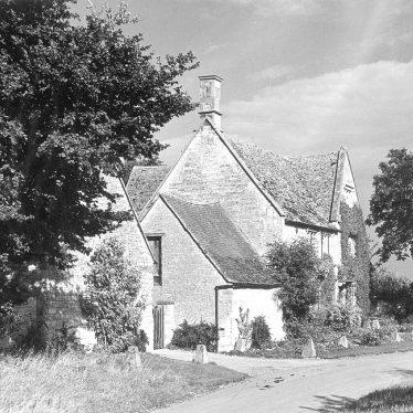 Armscote.  Stone house
