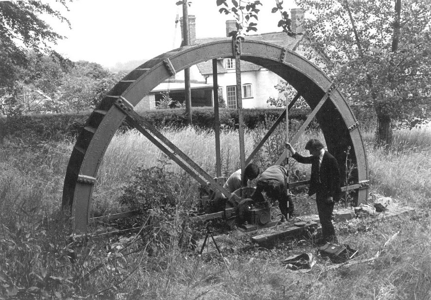 Arrow waterwheel believed to have been used for generating electricity for Alcester.  1910s |  IMAGE LOCATION: (Warwickshire County Record Office)