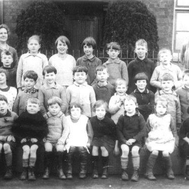 Ashorne.  School group