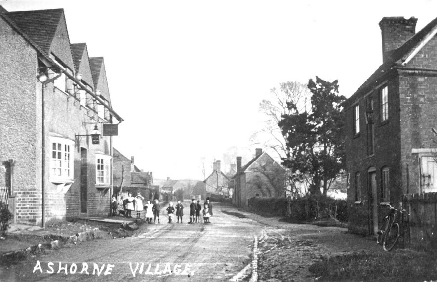 View of a village street in Ashorne.  1930s |  IMAGE LOCATION: (Warwickshire County Record Office)