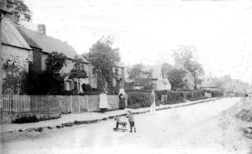 Ashorne view of cottages.  1920 |  IMAGE LOCATION: (Warwickshire County Record Office)