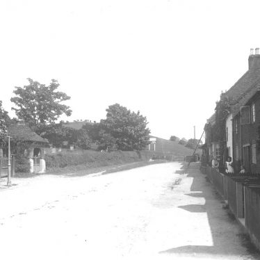 Beaudesert.  Village lane