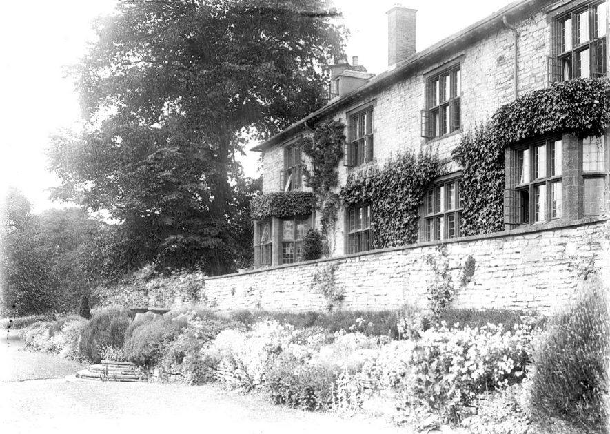 Avonside House, Bidford on Avon.  1930 |  IMAGE LOCATION: (Warwickshire County Record Office)
