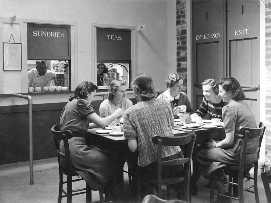 Flavel's staff canteen, Leamington Spa.  1942 |  IMAGE LOCATION: (Warwickshire County Record Office)