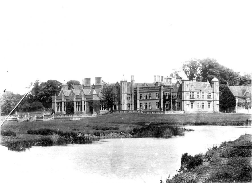 Exterior of view of Charlecote Park house.  1900s |  IMAGE LOCATION: (Warwickshire County Record Office)