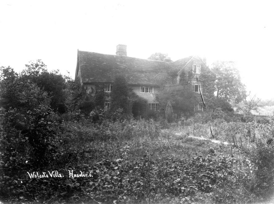 Walcote Villa with part of the garden, Haselor.  1900s    IMAGE LOCATION: (Warwickshire County Record Office)