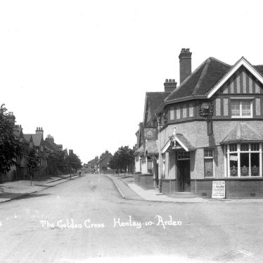 Henley in Arden.  Golden Cross Hotel