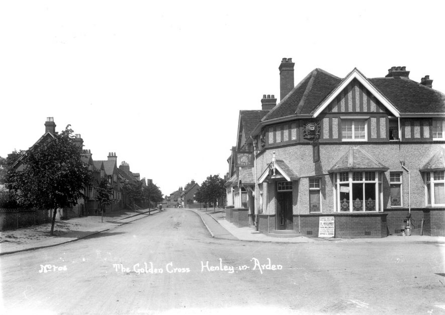 The Golden Cross public house, Henley in Arden.   1910s