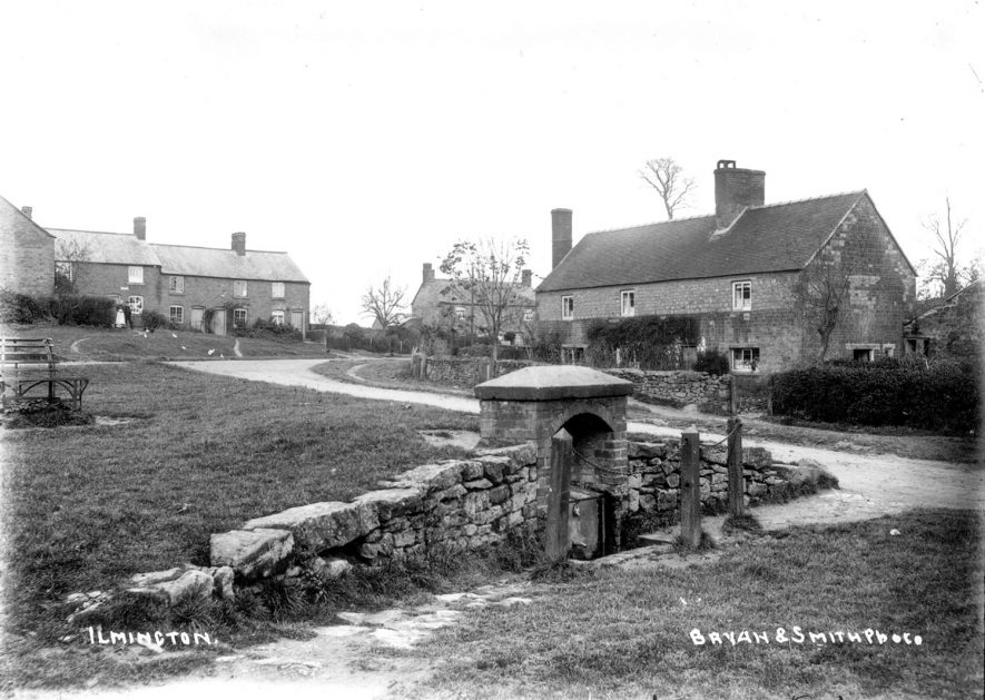Ilmington village well and some cottages.  1900s |  IMAGE LOCATION: (Warwickshire County Record Office)