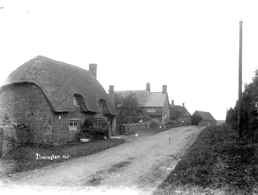 Thatched and other cottages in Ilmington.  1900s |  IMAGE LOCATION: (Warwickshire County Record Office)