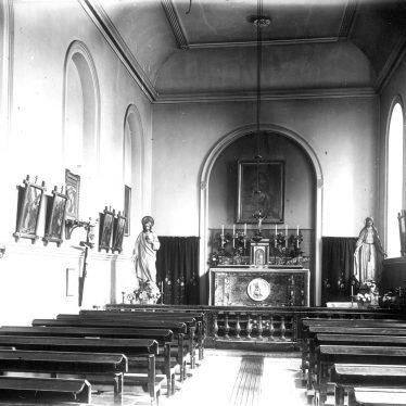 Foxcote.  Foxcote House chapel, interior