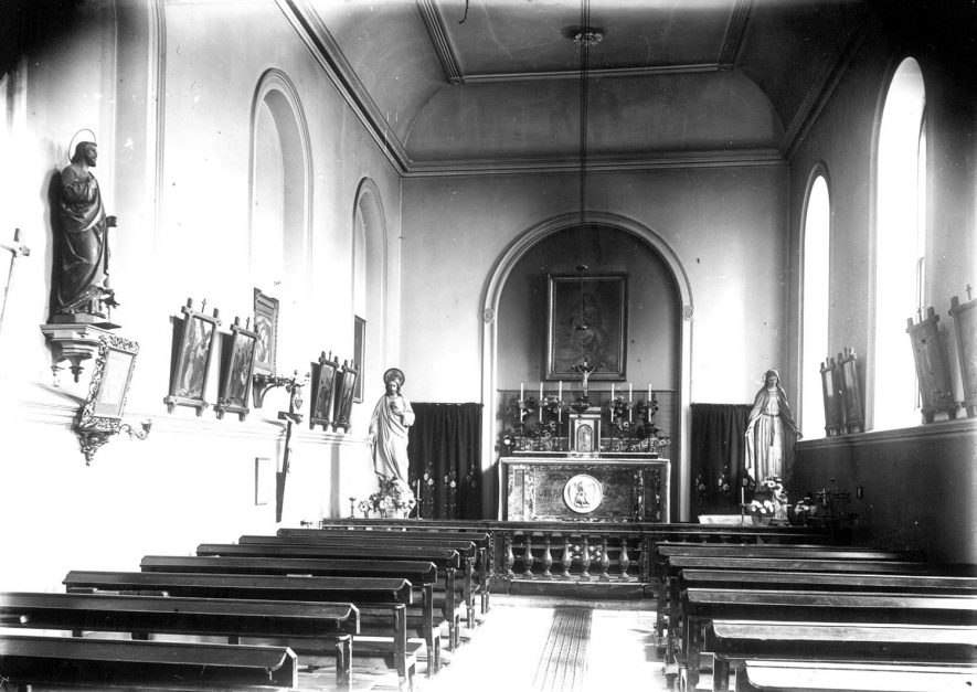 Interior of the catholic chapel at Foxcote House.  1900s |  IMAGE LOCATION: (Warwickshire County Record Office)
